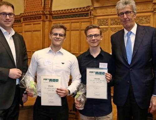 Das TGL gewinnt die Debattiermeisterschaft der Lübecker Gymnasien.